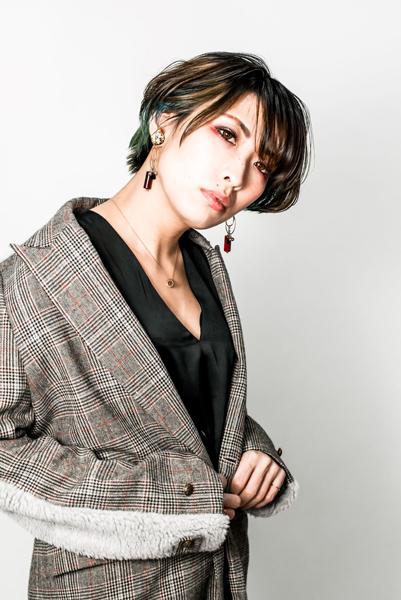 草野 か よこ PROFILE 草野華余子・クサノカヨコ